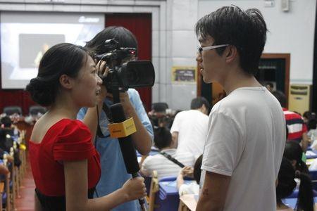 """2013新浪乐居""""坚强的蘑菇""""海大校园招聘圆满结束"""